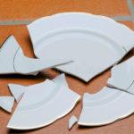 К чему бьется посуда и какая